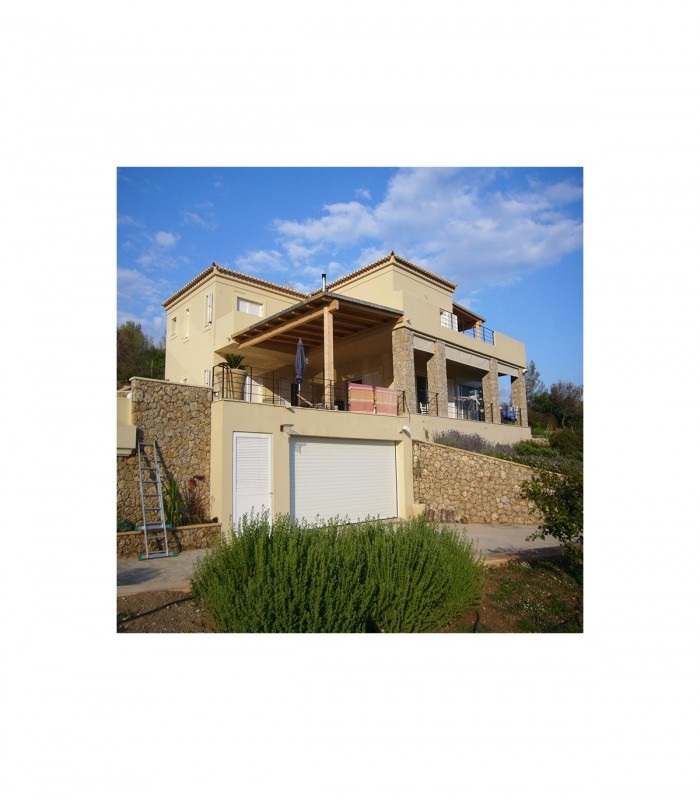 Detached two-storey house in Peloponnese
