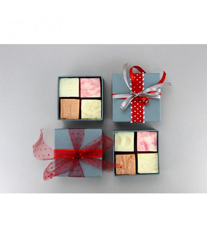 Christmas grey gift box 4 soap cubes